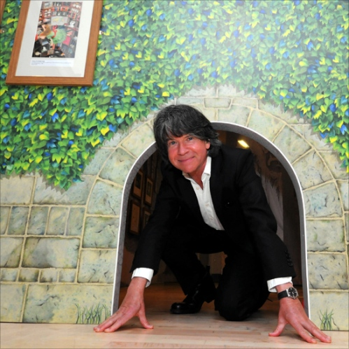 52069013_anthony-browne-crawling-thr